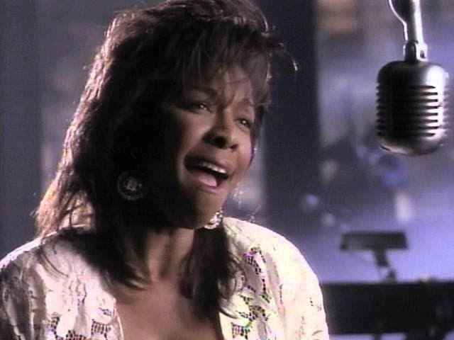 Natalie Cole — «Miss You Like Crazy» (Official Music Video)