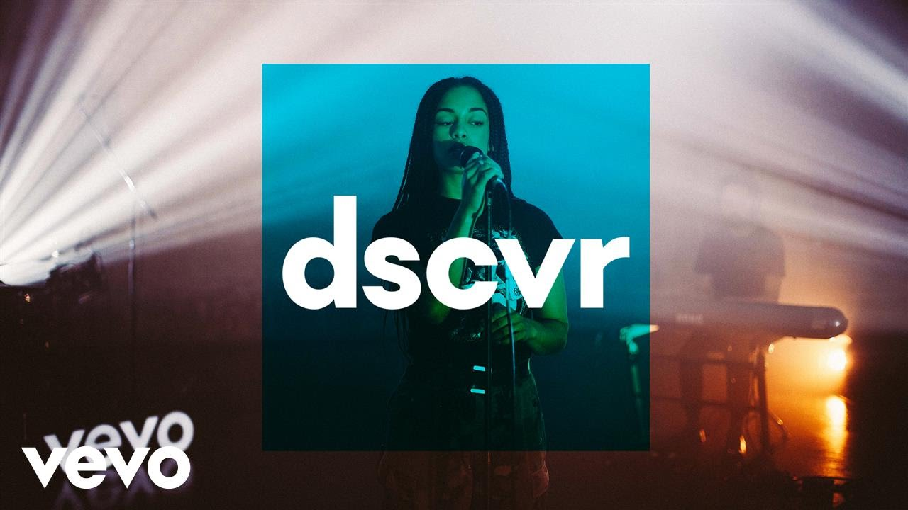 Jorja Smith — Something In The Way (Live) — dscvr ONES TO WATCH 2017