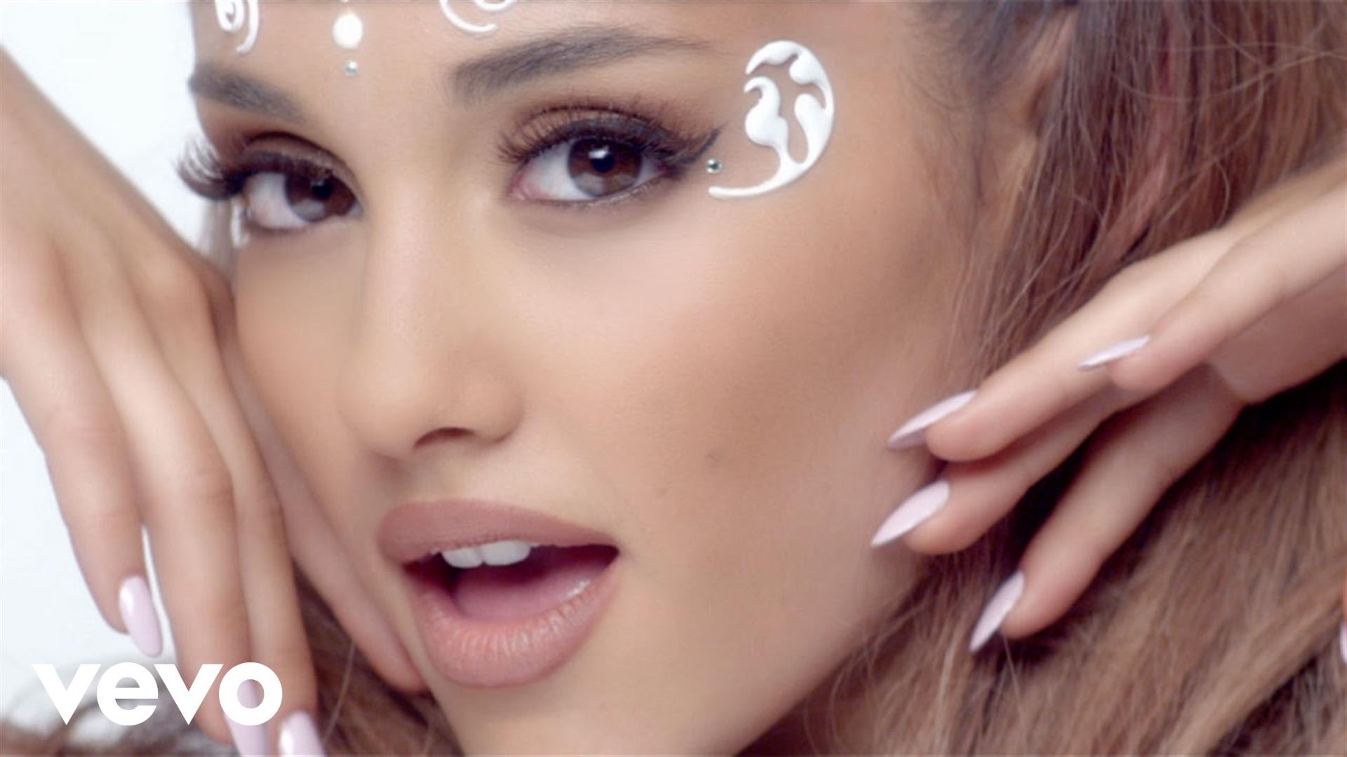 Ariana Grande — Break Free ft. Zedd