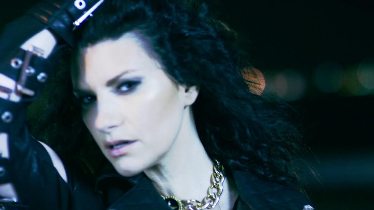 Laura Pausini — Chiedilo al cielo (Official Video)