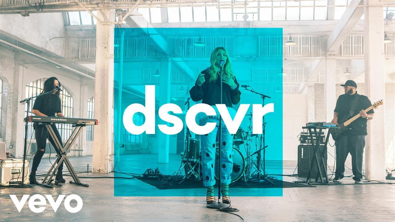 Julia Michaels — Issues — Vevo dscvr (Live)