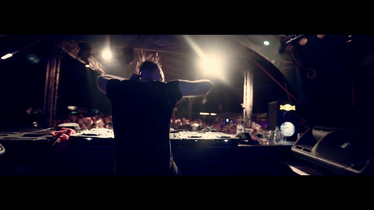 [Bass House] Manene & Redhead Roman — (B)ass Shake (Official Video)