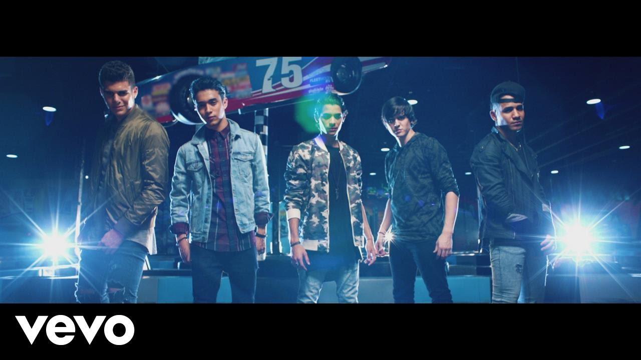 CNCO — Reggaetón Lento (Bailemos)[Official Video] ft. Zion & Lennox