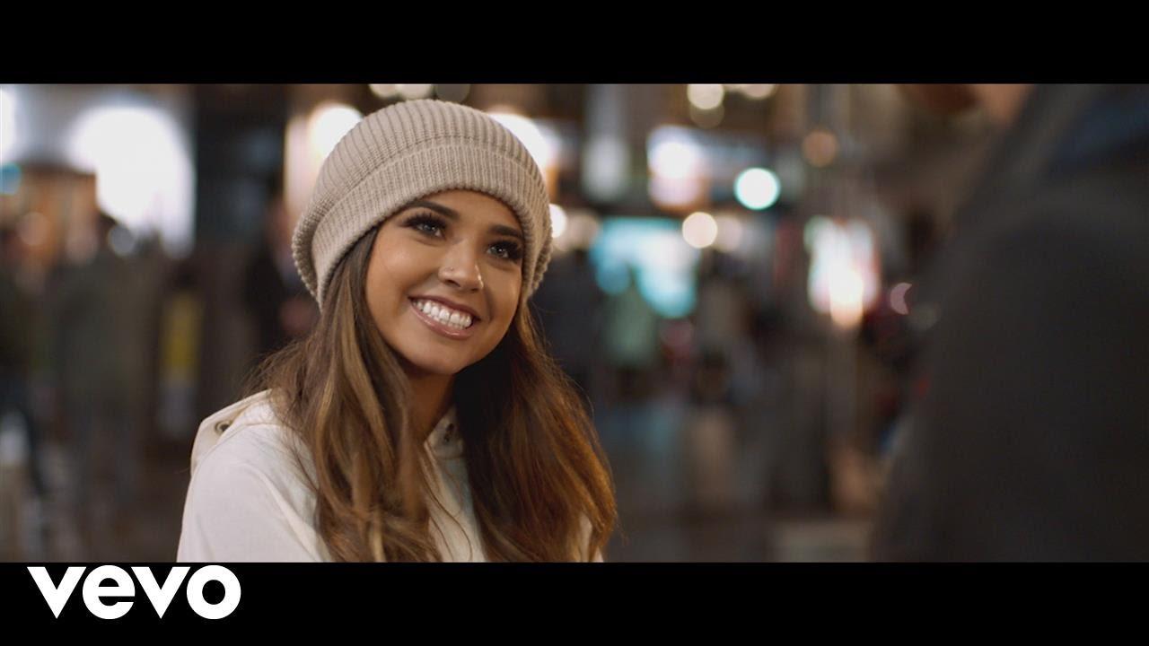 Becky G — Todo Cambio (Official Video)