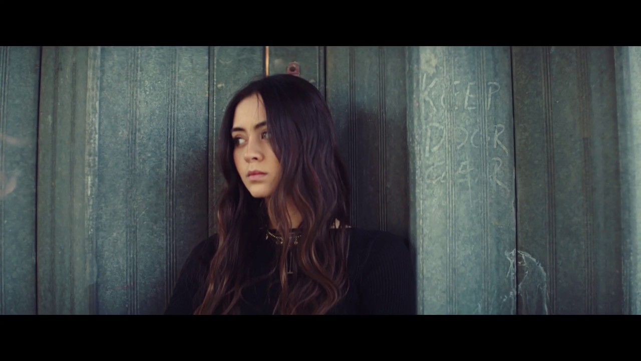 Jasmine Thompson — Old Friends [Official Video]