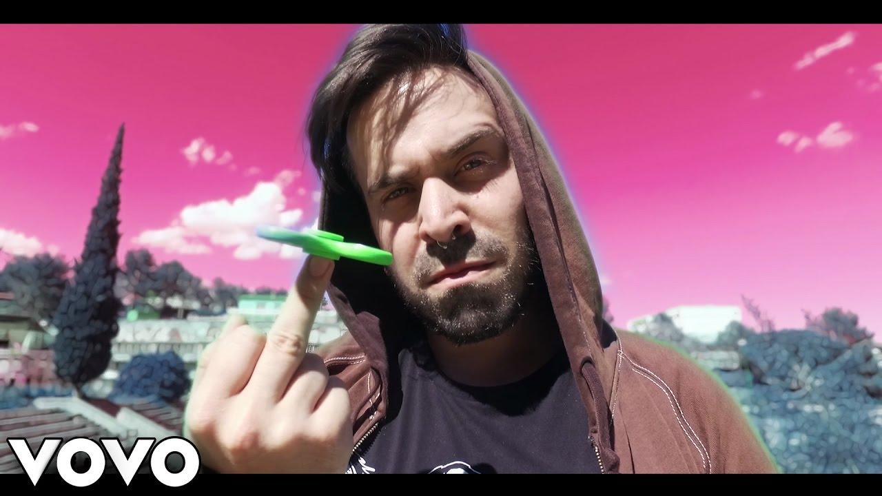 QUÉ BIEN ME LO PASO CON MI FIDGET SPINNER (Official Video) [KajalNapalm]