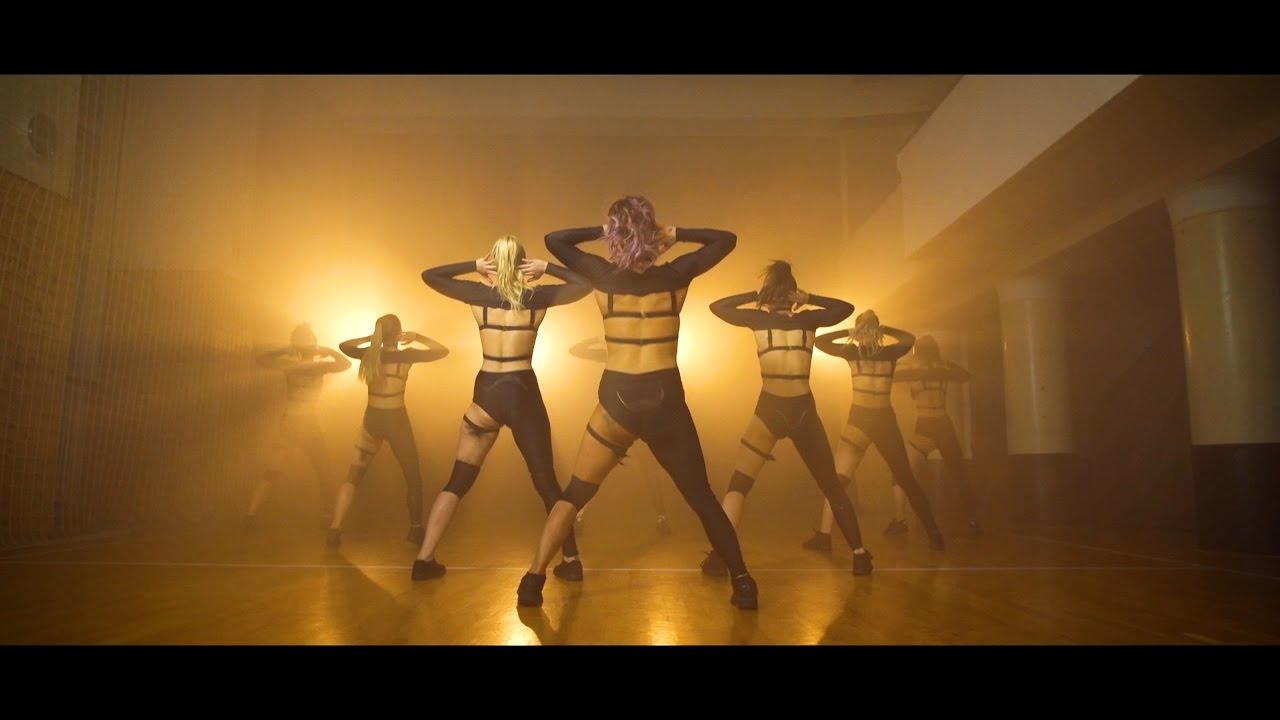 DJ Wich — Twerk ft. Ben Cristovao (OFFICIAL VIDEO)