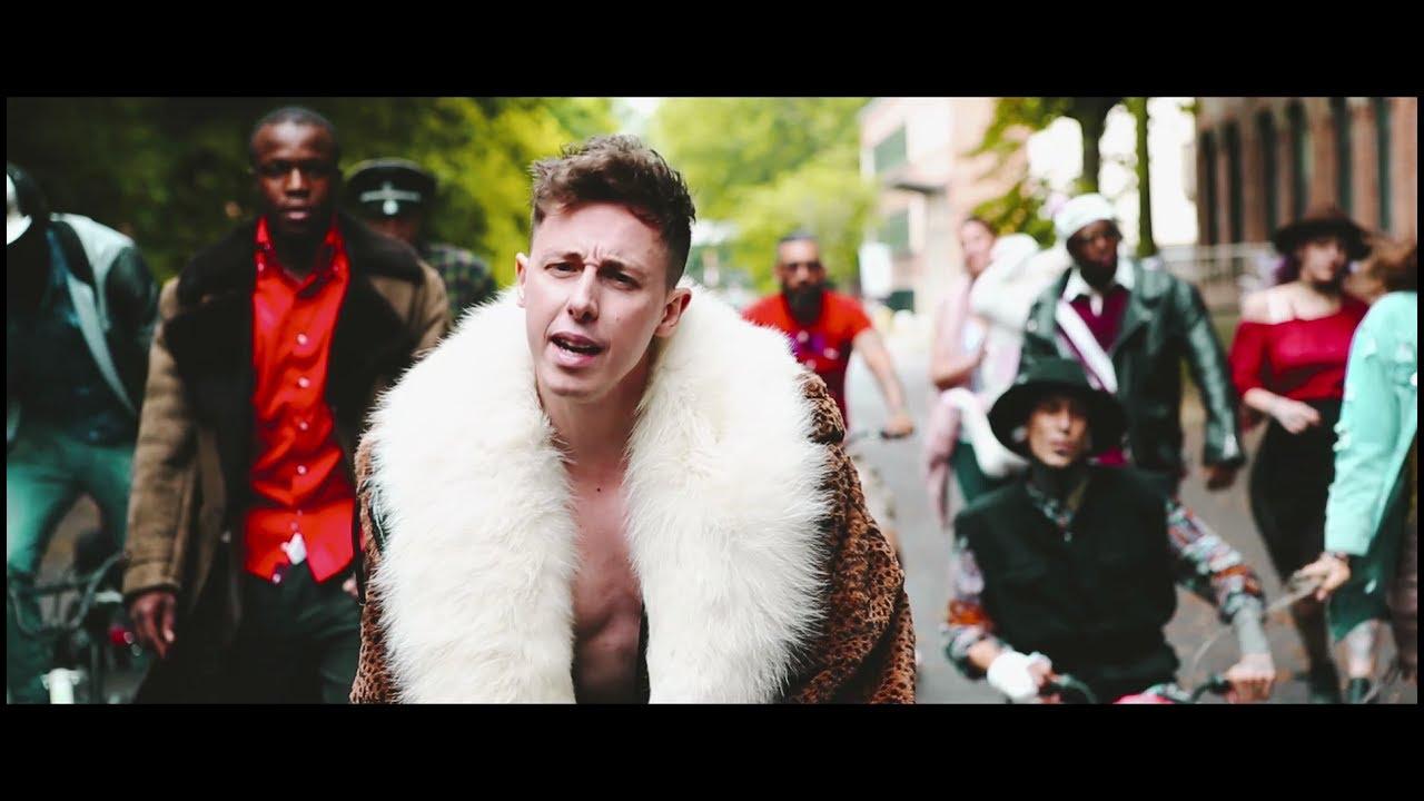 SHADE — BENE MA NON BENISSIMO (Official Video)