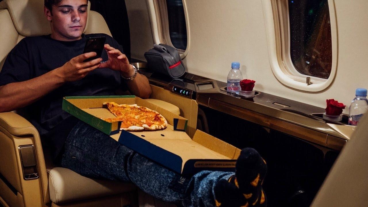 Martin Garrix — Pizza (Official Video)