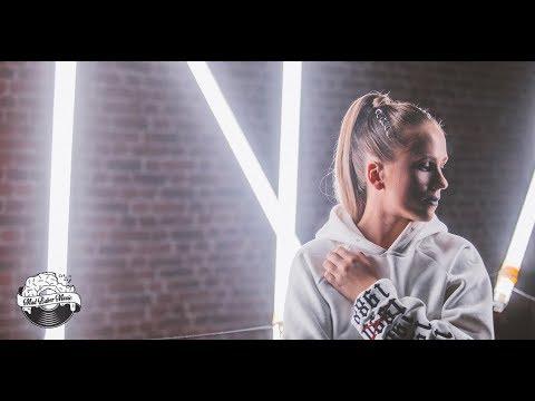 Mariana Prachařová — Heart of Gold (Official Video)