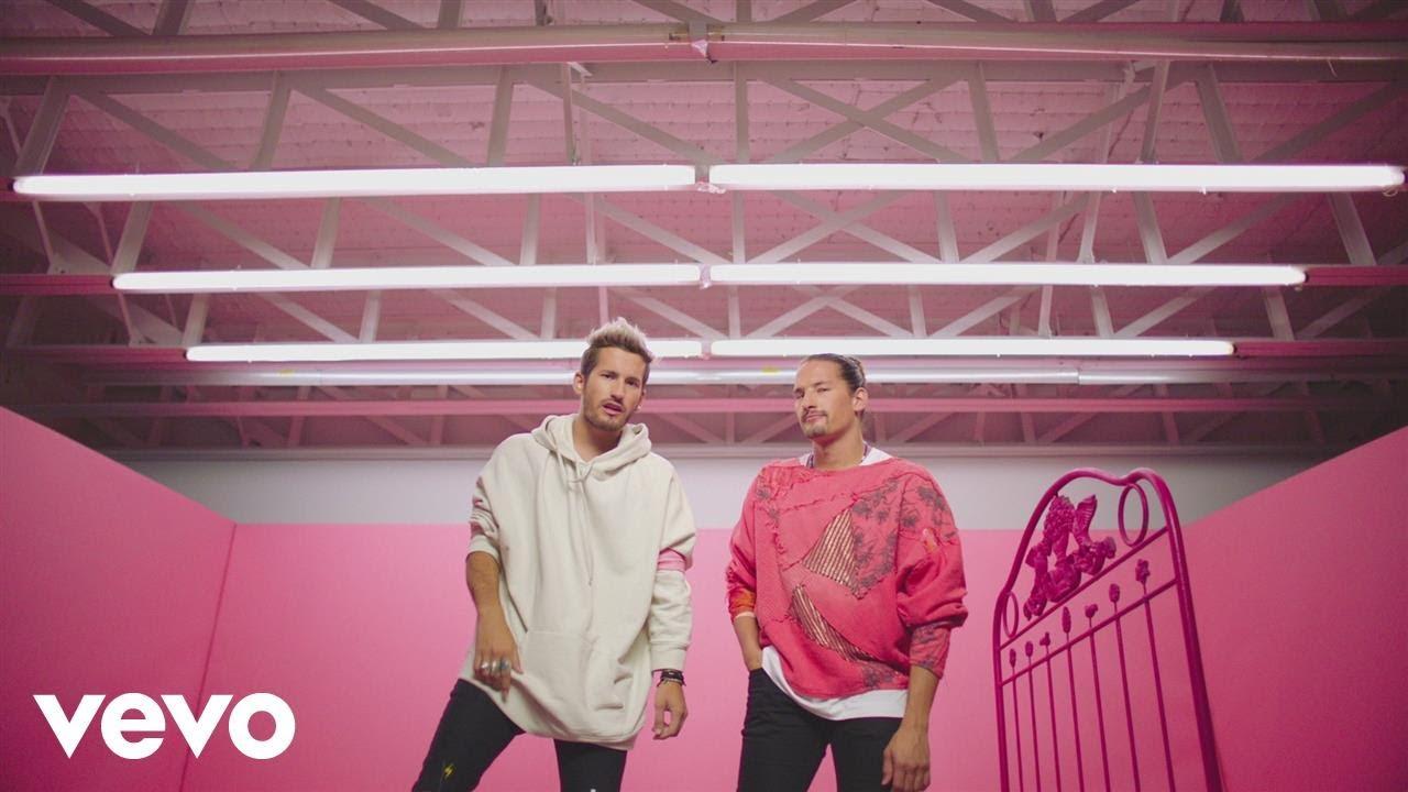 Mau y Ricky, Karol G — Mi Mala (Official Video)