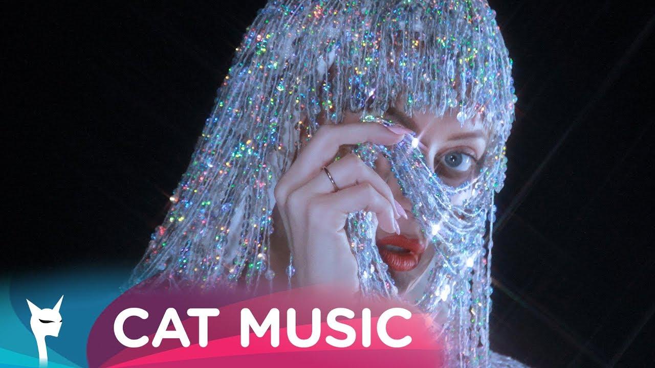 Delia — Fata lu' tata (by Carla's Dreams) Official Video