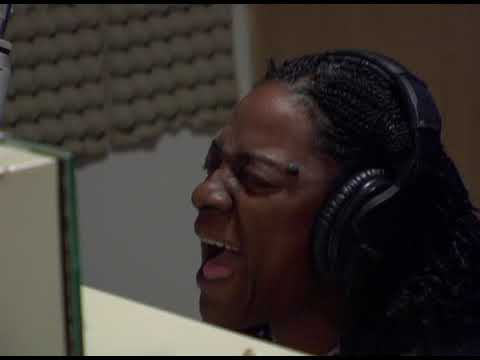 Sharon Jones & the Dap-Kings «Call on God» (OFFICIAL VIDEO) — YouTube