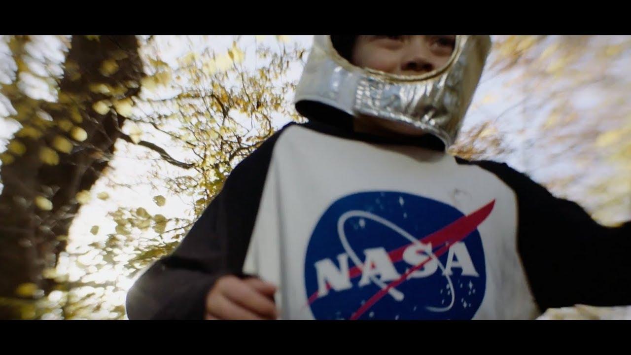 Graham Coxon — Falling (Official Video)
