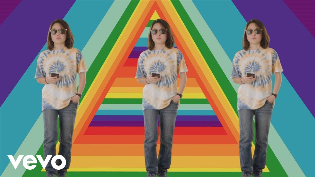 Superorganism — Everybody Wants To Be Famous (Official Video)