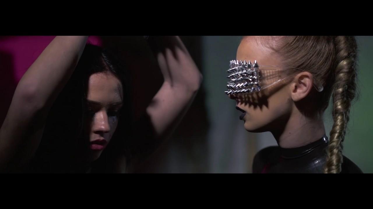 SIMA — Čau (prod. SkinnyTom & Gajlo)  OFFICIAL VIDEO 
