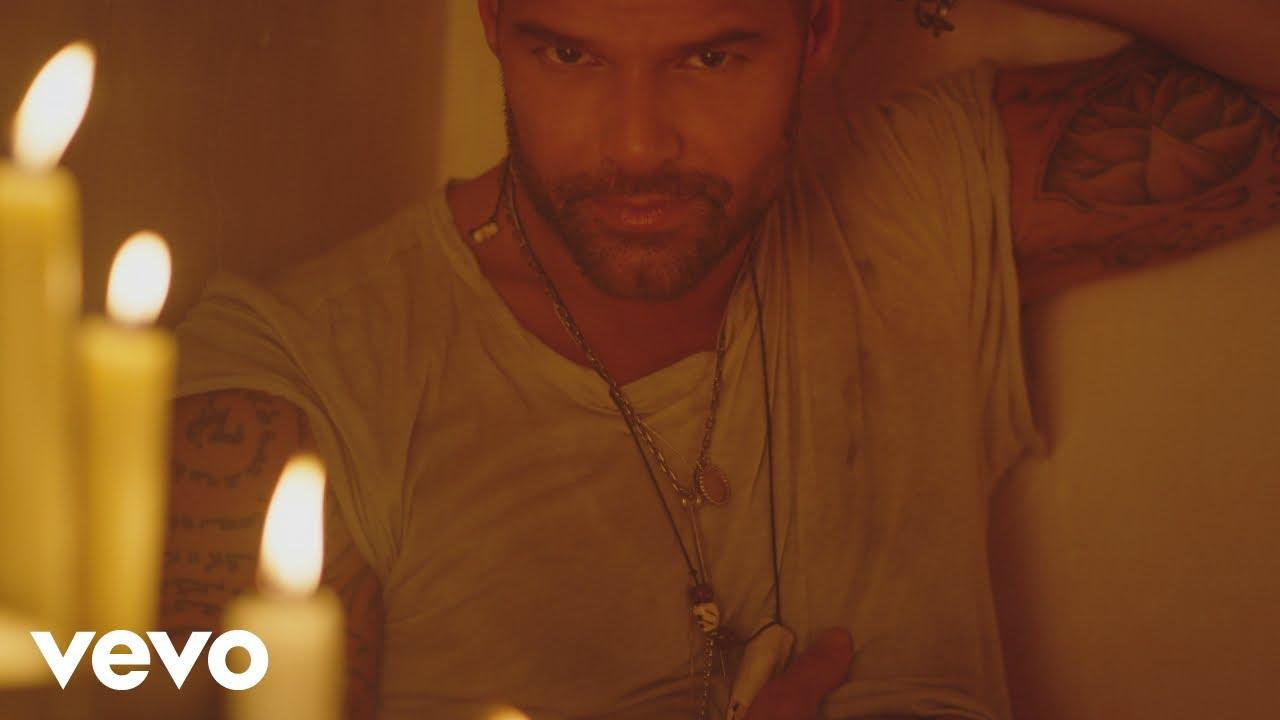 Ricky Martin — Fiebre (Official Video) ft. Wisin, Yandel